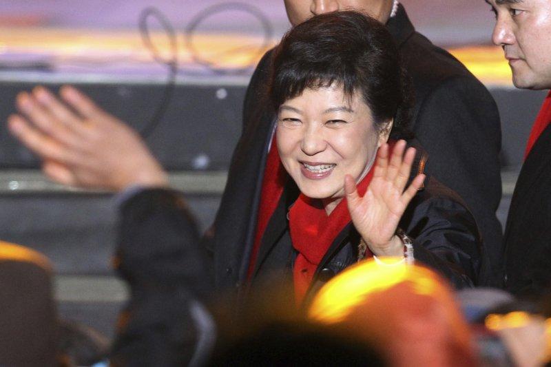 2012年12月19日,朴槿惠當選南韓總統(AP)