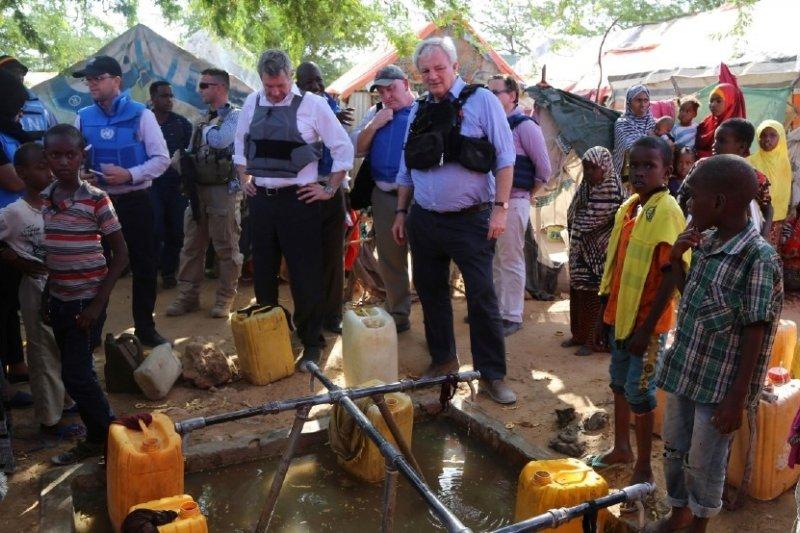 聯合國秘書長古特雷斯(António Guterres)親自造訪索馬利亞。(AP)