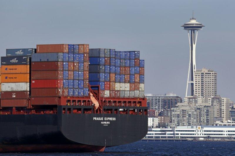專家認為,美國經濟2018年疲態畢露,無論貿易戰在3月2日期限前談判結果如何,今年都將是充滿挑戰的一年(AP)