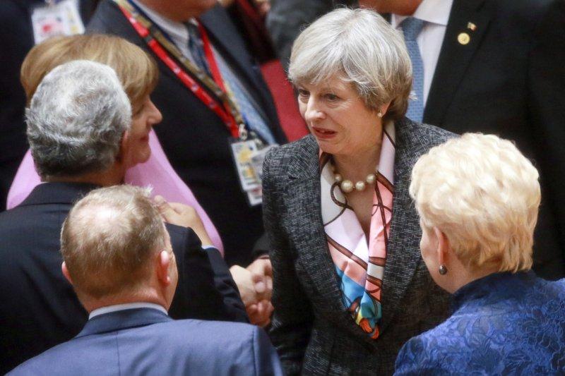 英國首相梅伊(Theresa May)參加布魯塞爾歐盟峰會(AP)