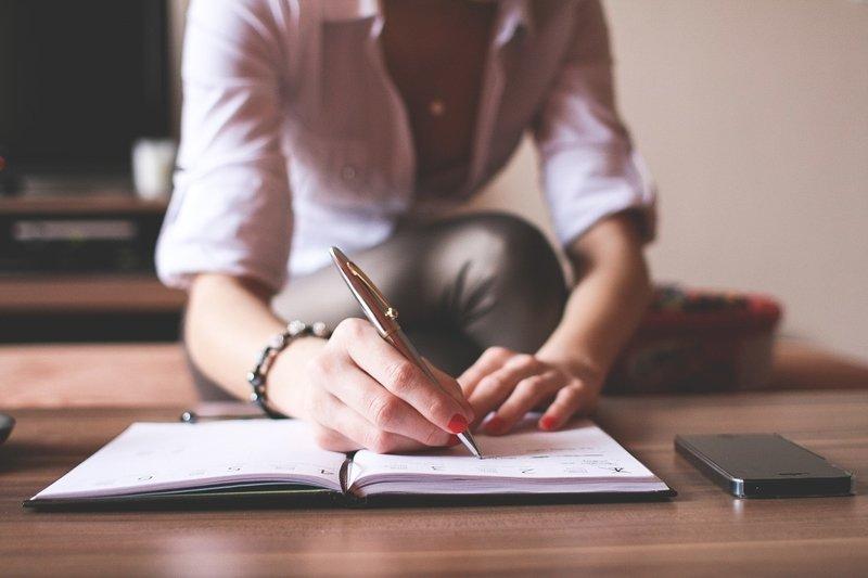 在有限的時間內處理待辦事項、維繫人脈是重要的課題。(圖片來源/pixabay)