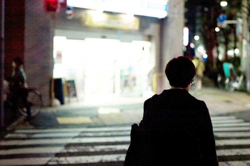 當你在思考人生時,你可以選擇珍惜那個這世界上唯一公平的東西,就是每一天的「時間」。(圖/mrhayata@Flickr)