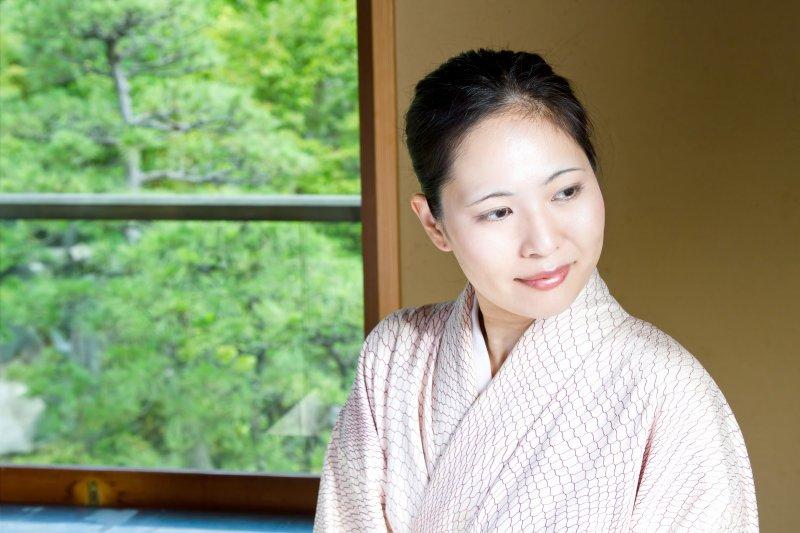 成人痘有很多時候和壓力、情緒與使用保養品和化妝品有關。(圖/すしぱく@pakutaso)