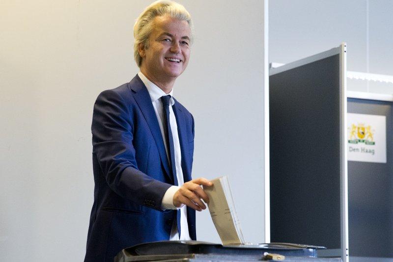 荷蘭國會大選:極右派「自由黨」(PVV)黨魁威爾德斯投票(AP)