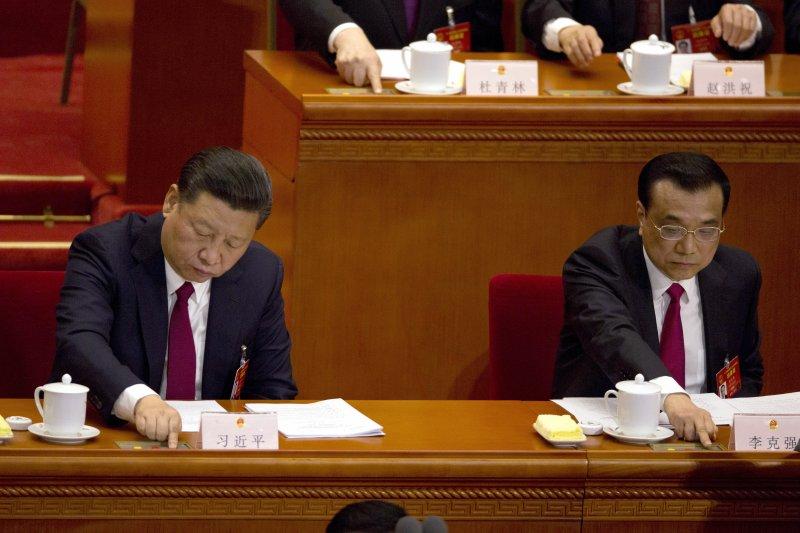 中國國家主席習近平(左)與國務院總理李克強(右)。(美聯社)