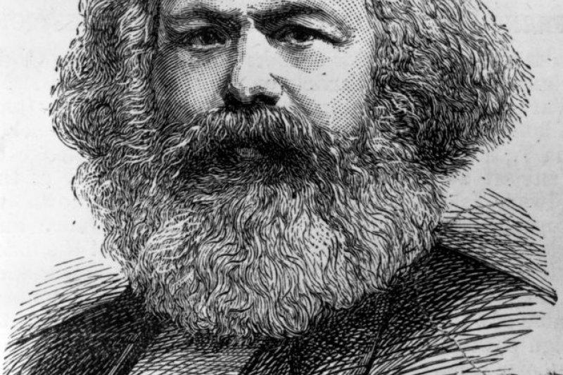 馬克思1818年5月5日出生在德國特里爾,後在柏林、倫敦和巴黎生活過。他被視為是共產主義的鼻祖。(BBC中文網)