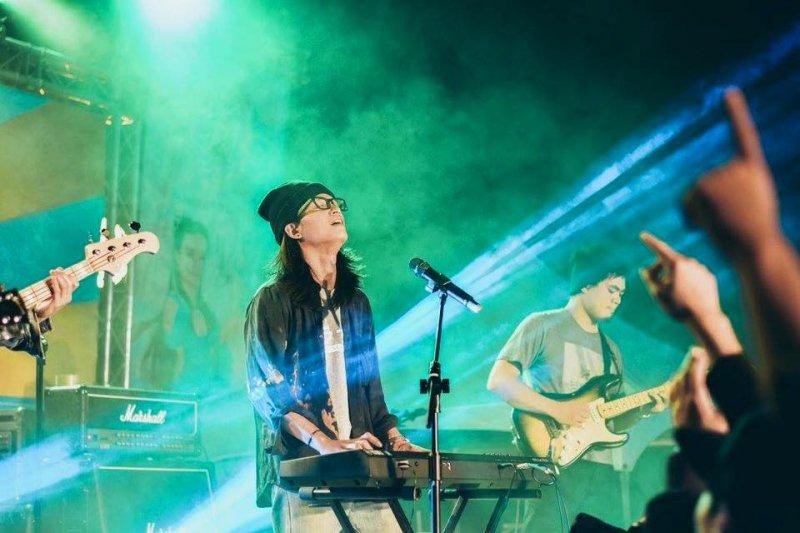 樂團茄子蛋指控有料音樂未經授權,就以樂團專輯的名義向文化部申請600萬補助,並強調「從沒有答應過經紀約」。(取自茄子蛋臉書)