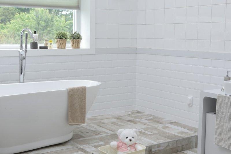 浴室、廁所雖然坪數不大,卻非常容易潮濕、發黴,絕對是大掃除中最令人困擾的地方。 (圖/Pixabay)