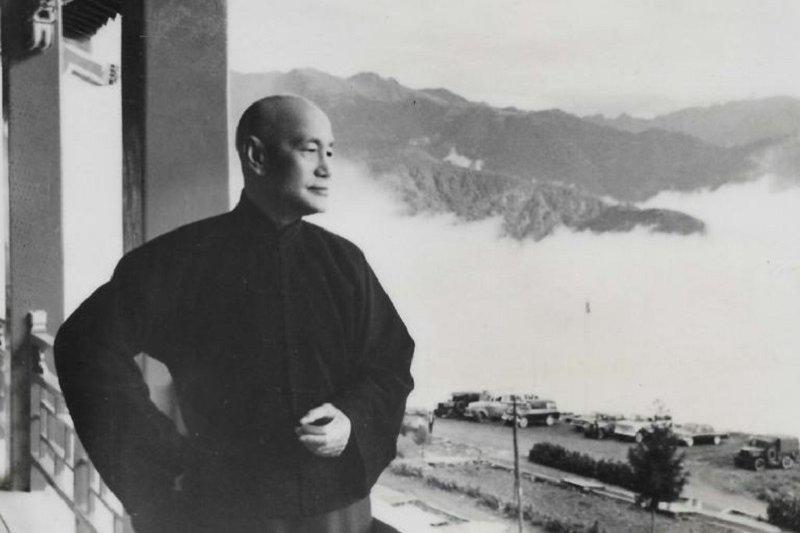 蔣介石晚年(時報出版提供)