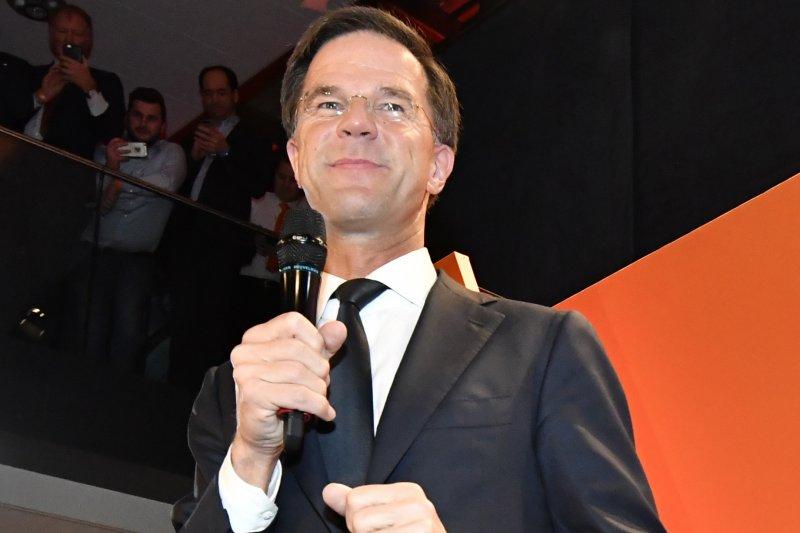 荷蘭大選投票結束,執政黨自由民主黨穩操勝券。(美聯社)