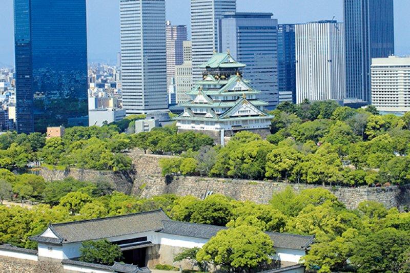 好像看得見卻看不到的大阪城。(圖/山岳文化提供)