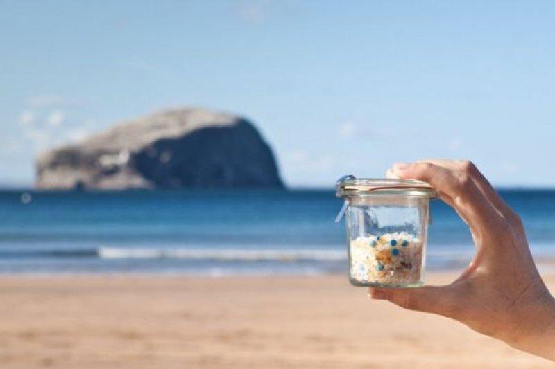 近年來,海洋塑膠污染越來越受到人們的關注。(BBC中文網)