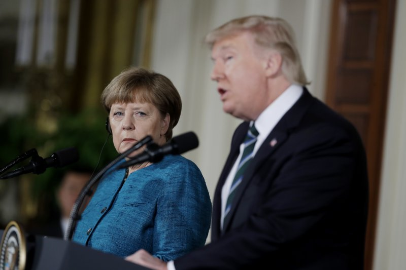 德國總理梅克爾與美國總統川普17日會晤,川普表示:「這場會面很棒」。(美聯社)