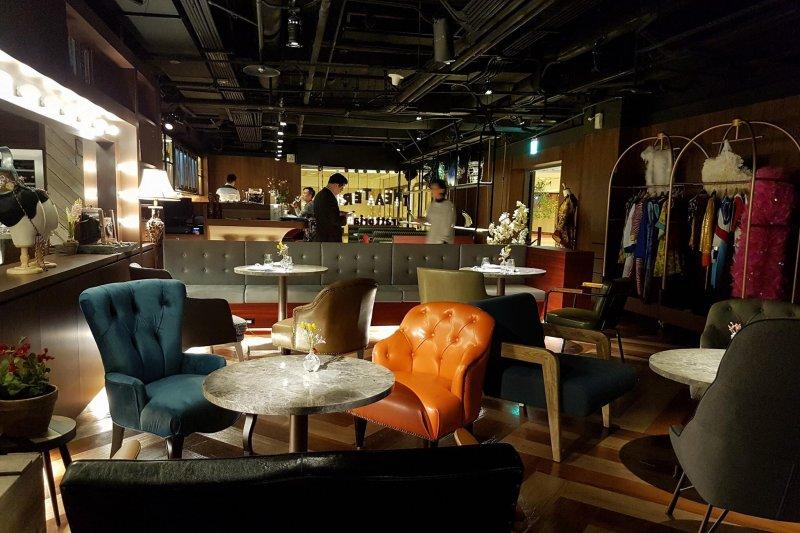 國家戲劇院重新開幕後,裏頭的「戲台咖」咖啡店成了一大賣點!(圖/戲台咖 Theater Cafe@Facebook)