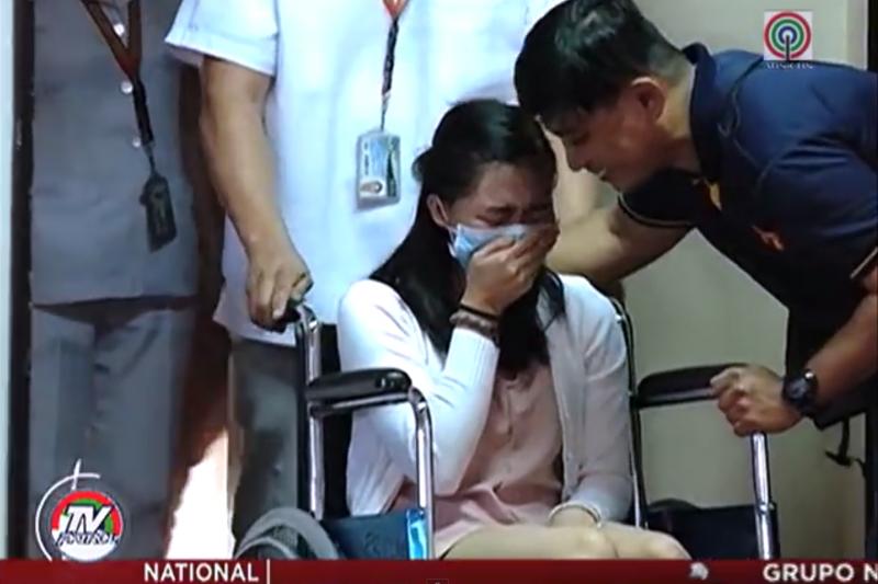 菲律賓癌生瑪雅在醫院舉行畢業典禮。(翻攝Youtube)
