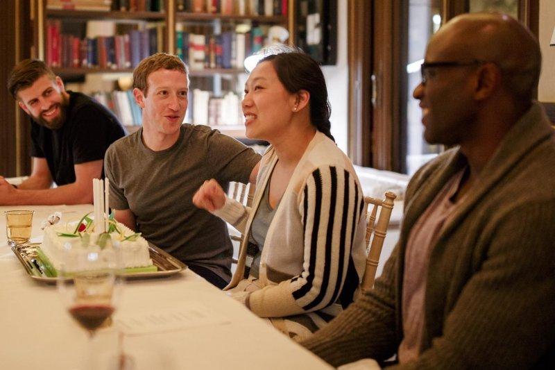 當海外各國積極招攬高階科技人才,台灣該拿什麼跟人家比賽?(圖/Mark Zuckerberg@Facebook)