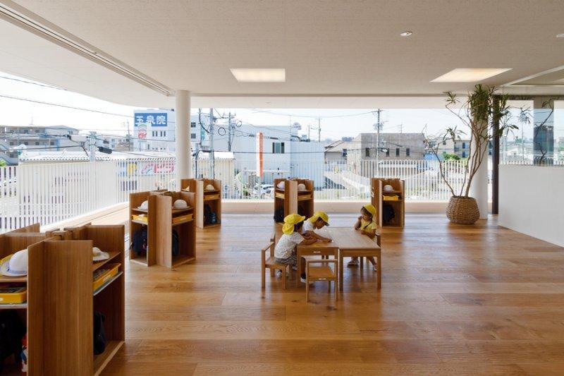 設施上講求「靈活性」,依照課堂教學內容安排最適合上課的座位,多元自由的空間運用在學習上增添許多創意的可能。(圖/Archdaly,iDiD點一點設計提供)