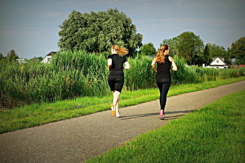健康的生活習慣能改變逆轉基因遺傳的疾病風險。(圖/MabelAmber@pixabay)
