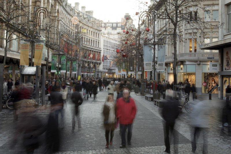 比利時大城安特衛普23日發生歹徒試圖開車衝撞人群,所幸並未得逞(AP)