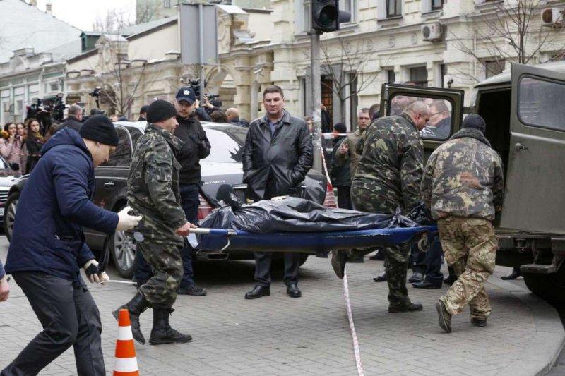 俄羅斯前國家下議院議員沃諾寧科夫(Denis Voronenkov)23日在烏克蘭鬧區身中3槍,當場死亡,烏克蘭總統直批:「這是俄羅斯國家級的恐怖行動」。(AP)