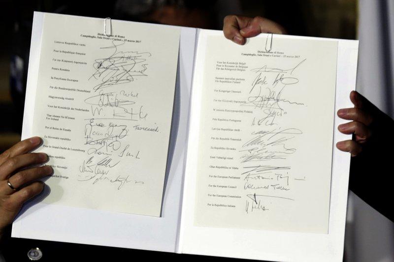 英國之外的27個歐盟成員國25日簽署新宣言,慶祝《羅馬條約》簽署60週年(AP)