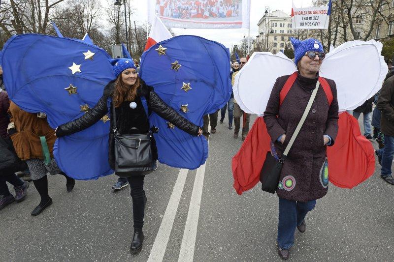 德國柏林民眾走上街頭,慶祝《羅馬條約》簽署60週年(AP)
