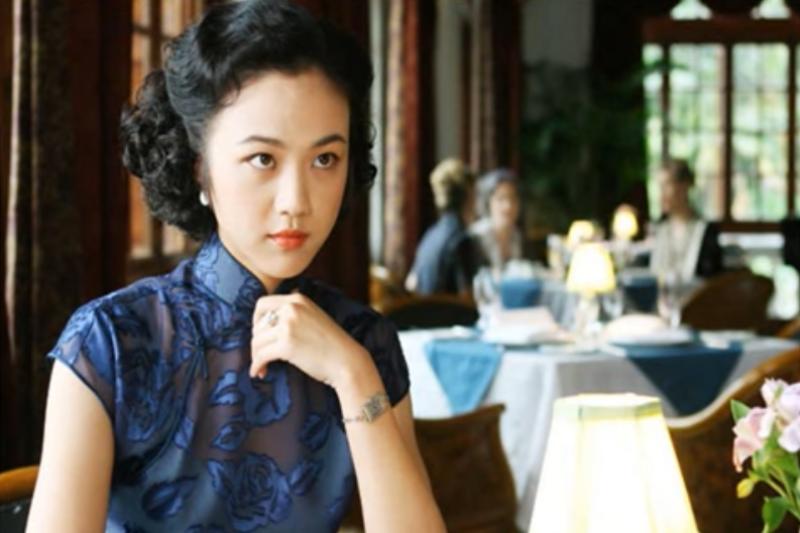 凱司令咖啡店出現在張愛玲同名短篇小說的改編的電影《色戒》中。(翻攝自youtube)