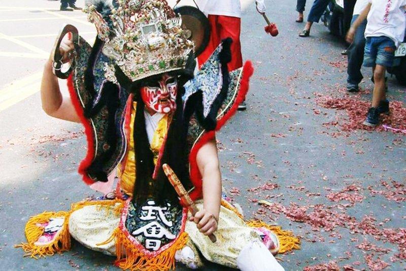 鑫哥在陣頭跳的是主將鍾馗,這曾是他唯一的興趣與成就感來源(圖/鑫哥提供)