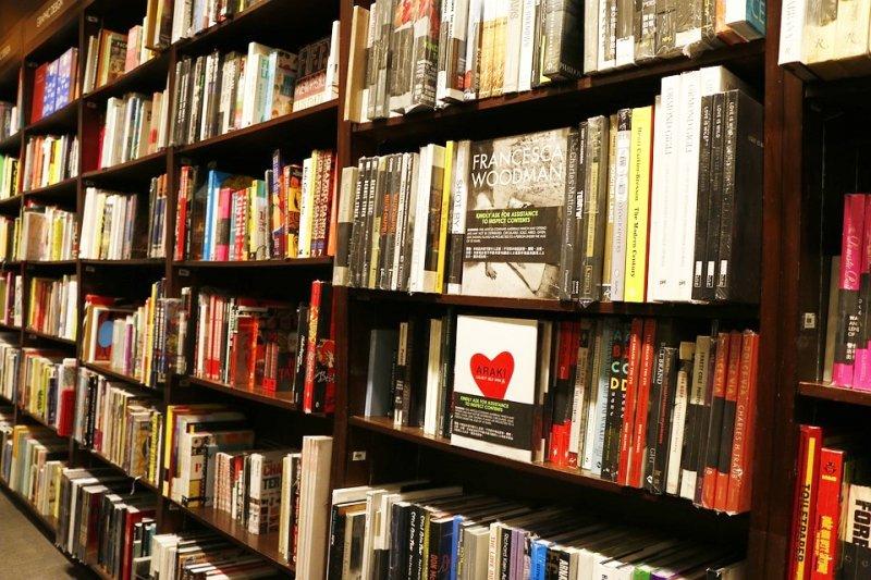 在2020年,書店也將隨著科技演進而變得截然不同。(圖/Pixabay)