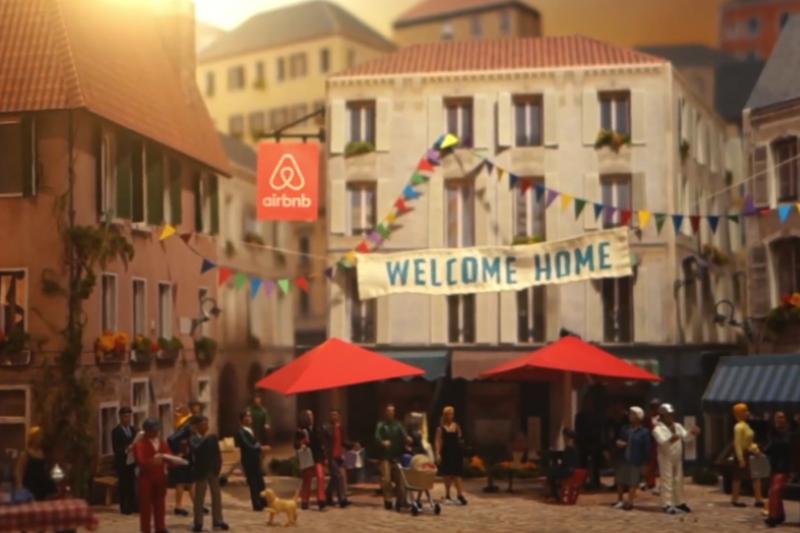 Airbnb取名「愛彼迎」?國際品牌都曾有過特別的中文名啊...(翻攝自youtube)
