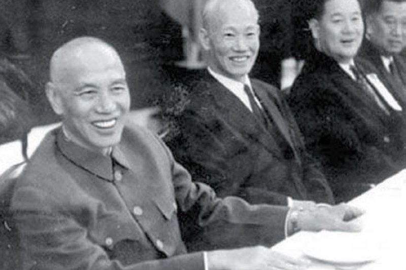 2017-03-27-蔣介石與陳誠-取自人民網