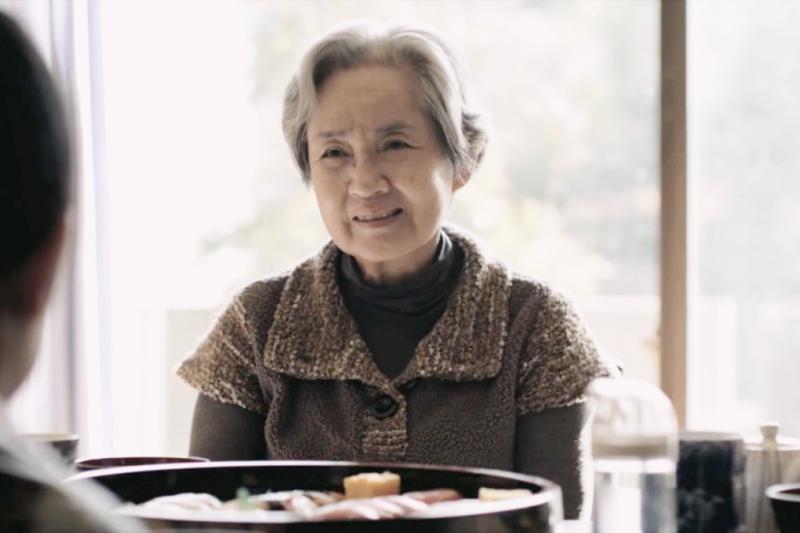 在台灣65歲以上的老人每13人中就有1位失智,失智症需要親友的及早查覺。(示意圖/9raysca1e@youtube)
