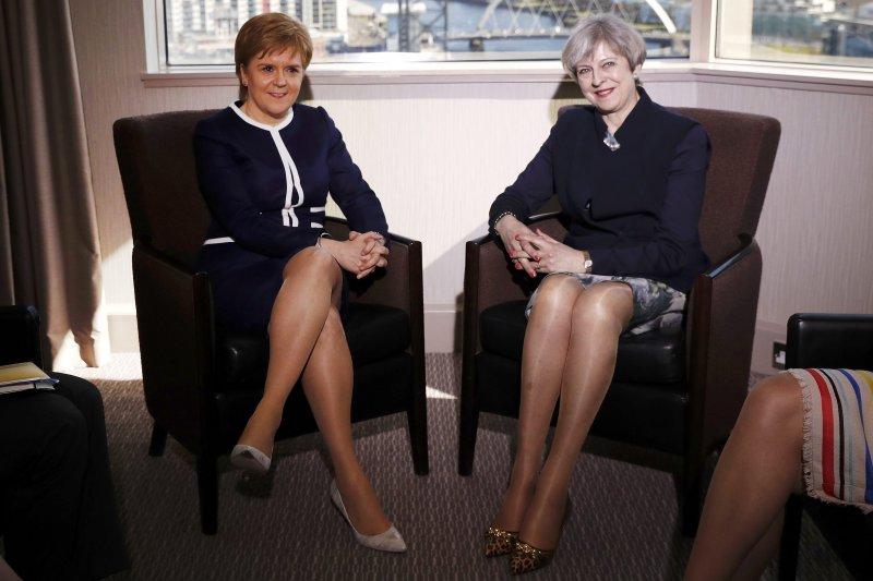 梅伊與史特金27日在蘇格蘭會面(AP)