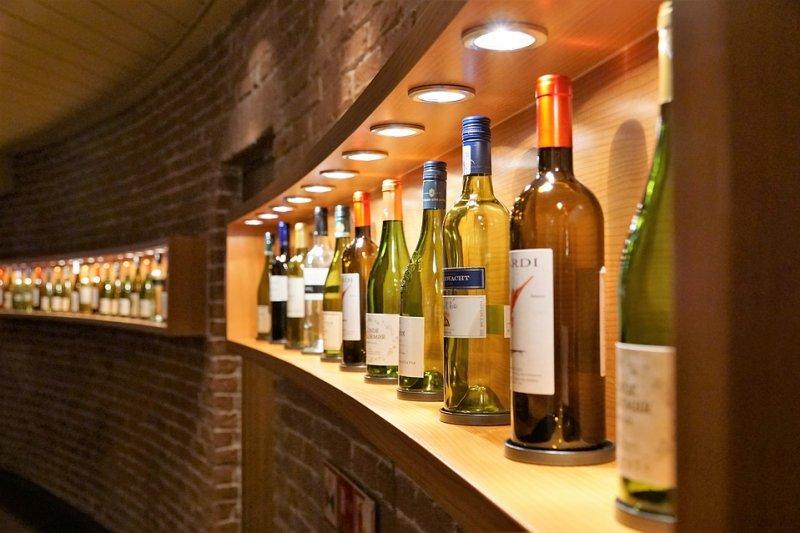 義大利的酒品依照品質程度,分作三大級別。(圖/strecosa@pixabay)