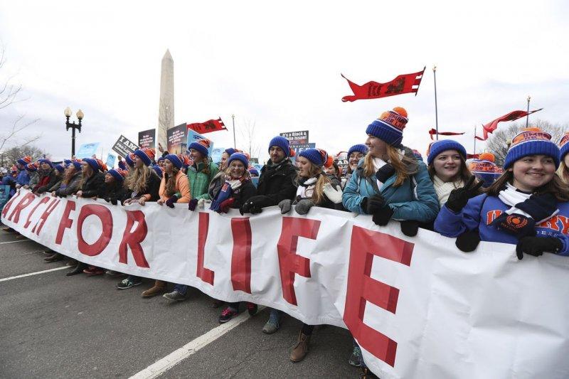 今年1月27日,美國數以萬計反墮胎人士舉行「為生命而走」大遊行(美聯社)