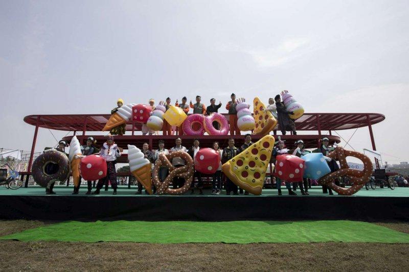 新竹市政府推出,2017「兒童藝術節-風的運動場」活動,活動首日便超過千人共襄盛舉。(新竹市政府行政處公關與新聞科提供)