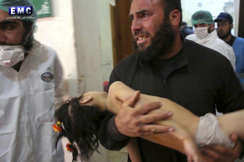 敘利亞北部4日傳出毒氣攻擊,包含兒童在內有近70人亡。(美聯社)