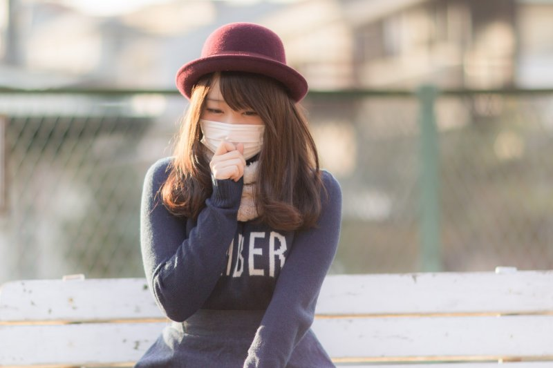 為何感冒吃抗生素沒有效?(圖/pakutasp)