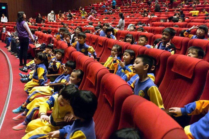 兒童免費欣賞高水準的劇團演出。(圖/基隆市政府提供)