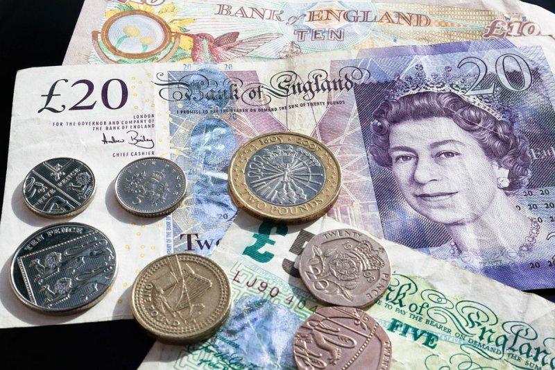 比特幣是一種虛擬貨幣,它的發明超出了一般人對貨幣的想像。(圖/stux@pixabay)