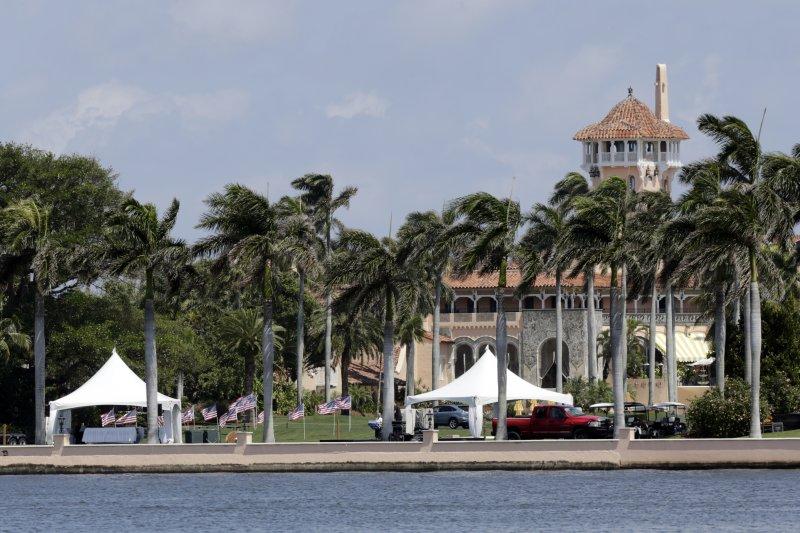 由於川普上任後屢屢到訪,海湖莊園已有「冬日白宮」之稱。(美聯社)