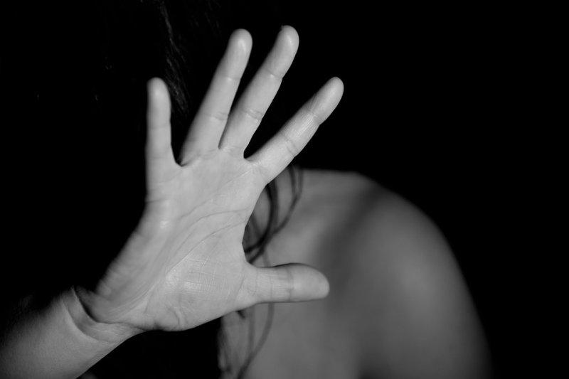 家暴是一種行為模式 ,一開始不被制止,就會接二連三的發生造成惡性循環。(圖/ninocare@pixabay)