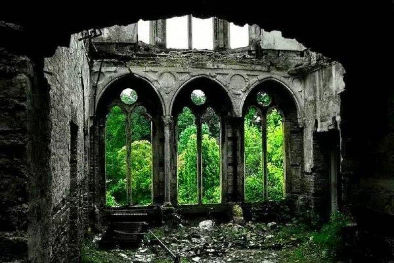 作者認為,其實就在我們的日日生活裡,四處都有廢墟存在,只是我們已經習慣對廢墟視而不見罷了。(圖/KLOOK提供)
