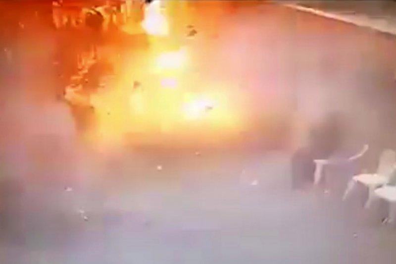 埃及亞力山卓科普特人基督教徒的聖馬可大教堂9日遭到炸彈攻擊,造成慘重死傷(AP)