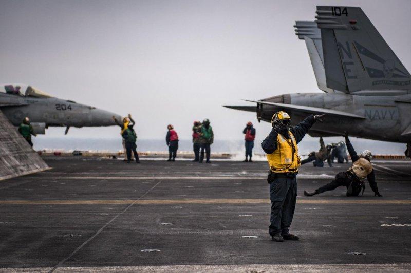 美軍卡爾文森號航母在西太平洋部署,壓制金正恩的武嚇氣焰。(卡爾文森號臉書)