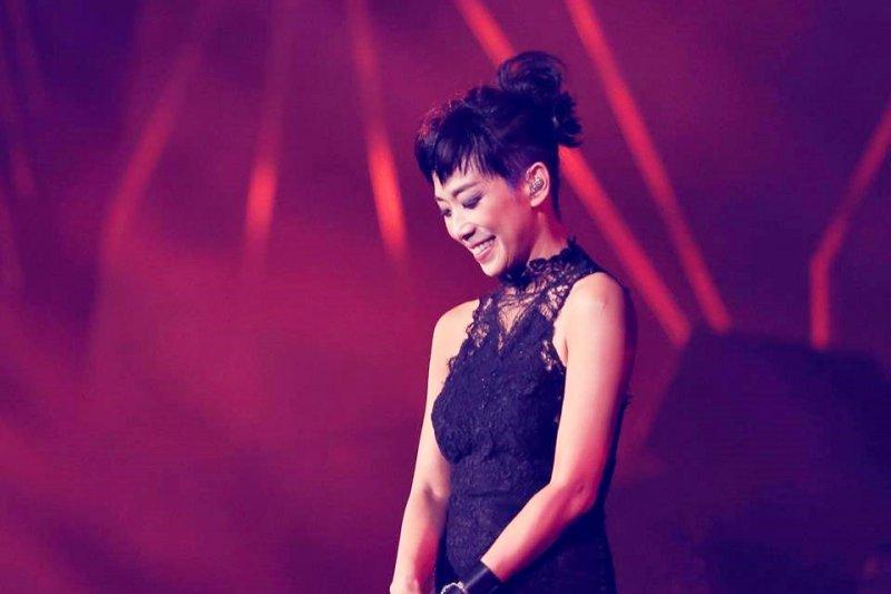 今年是林憶蓮投身歌壇的第32年,1985年出道以來,她仍在唱,且越唱越好...(圖/林憶蓮 Sandy Lam@facebook)