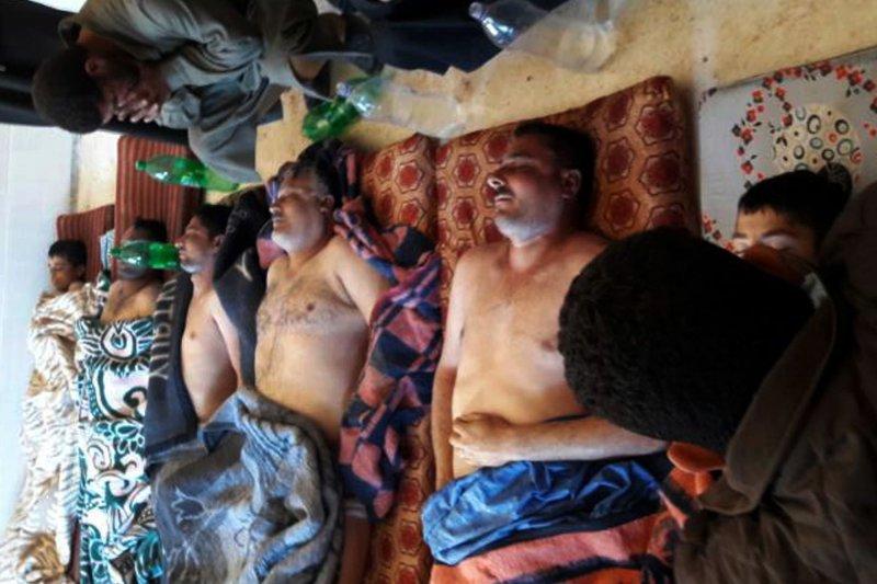 敘利亞北部伊德利卜省(Idlib)反抗軍城鎮罕謝宏(Khan Sheikhoun)4日遭到政府軍化學武器毒氣攻擊,造成慘重傷亡,死傷者包括許多兒童(AP)