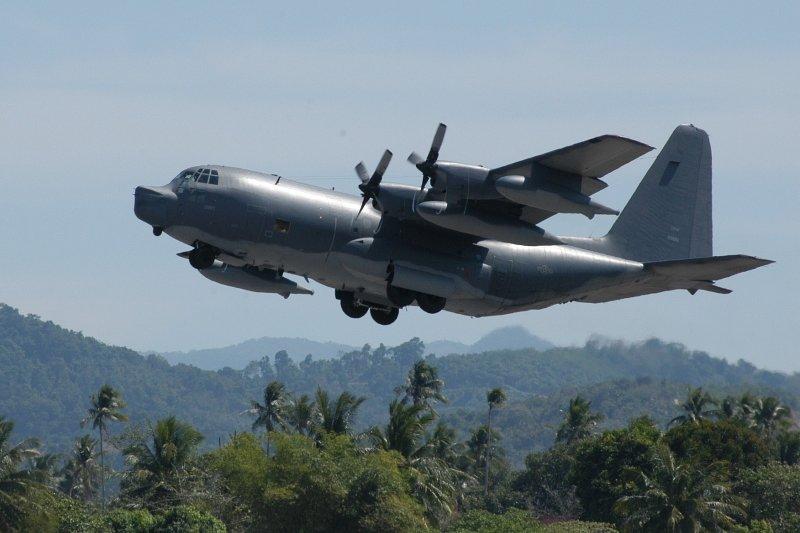 國防部5日表示,1架美籍MC-130型機,於午間沿台海中線以東,由北向南飛行。圖為美軍Lockheed MC-130特種作戰飛機。(資料照,取自Wikipedia/Auther: U.S. Air Force/Public Domain)
