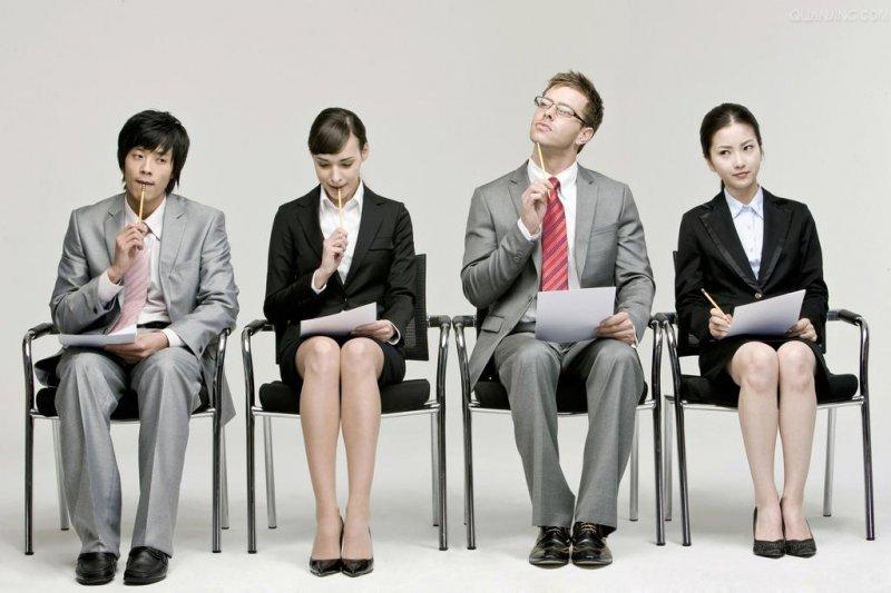 保險龍鳳獎是針對全台財金保險系所畢業生,進行畢業生最嚮往企業票選所產出之獎項。(圖/擷取自人事資料網)