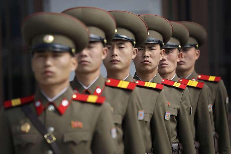 小泉不相信沒有金正日的首肯,北韓會進行這項祕密計畫,更何況在綁架發生期間,掌管北韓情報部門的就是金正日本人。(AP)